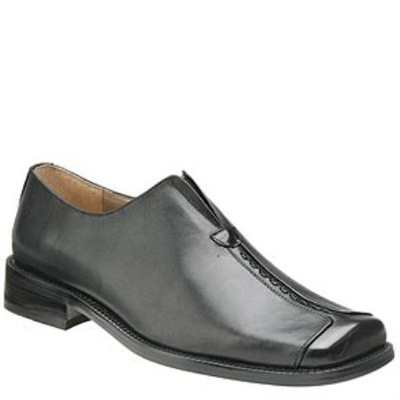 Z30010 Center seamed for a squared, split-toe look, this slip-on casual look $75
