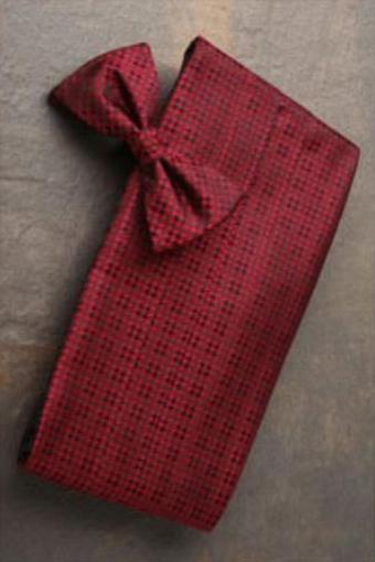 1950s Tuxedos and Men's Wedding Suits Burgundy Houndstooth Premium Silk Cummerbund  Bow Tie Set $70.00 AT vintagedancer.com