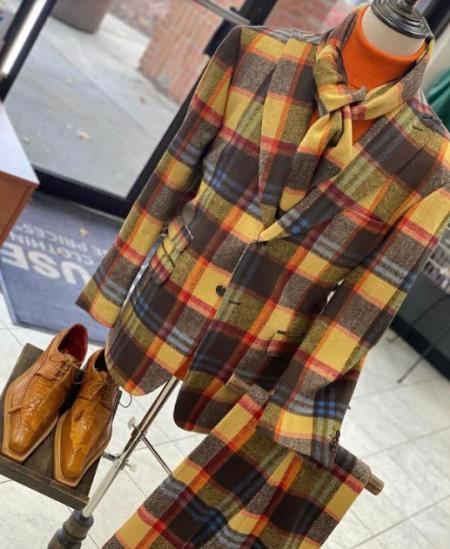 Men's Two Button Peak Lapel Multi Color Suit