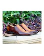 Lace Up Carrucci Shoe