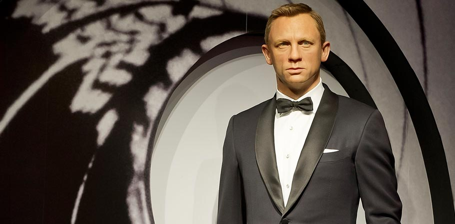 18 Best James Bond Suits - Spectre vs Skyfall vs Quantum of Solace ... 5546b83be94