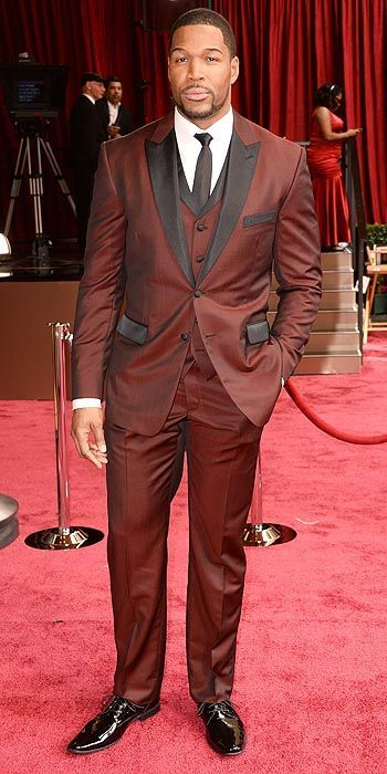 Red Suits - Michael Starhan at the 2015 Oscars
